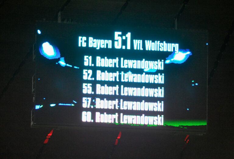 Weißt du noch?   Die neun magischen Minuten von Robert Lewandowski gegen Wolfsburg