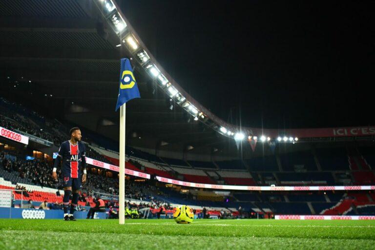 """Angers-Verteidiger Thomas nach 1:2-Niederlage bei PSG: """"Ich habe diese VAR-Sache langsam satt"""""""