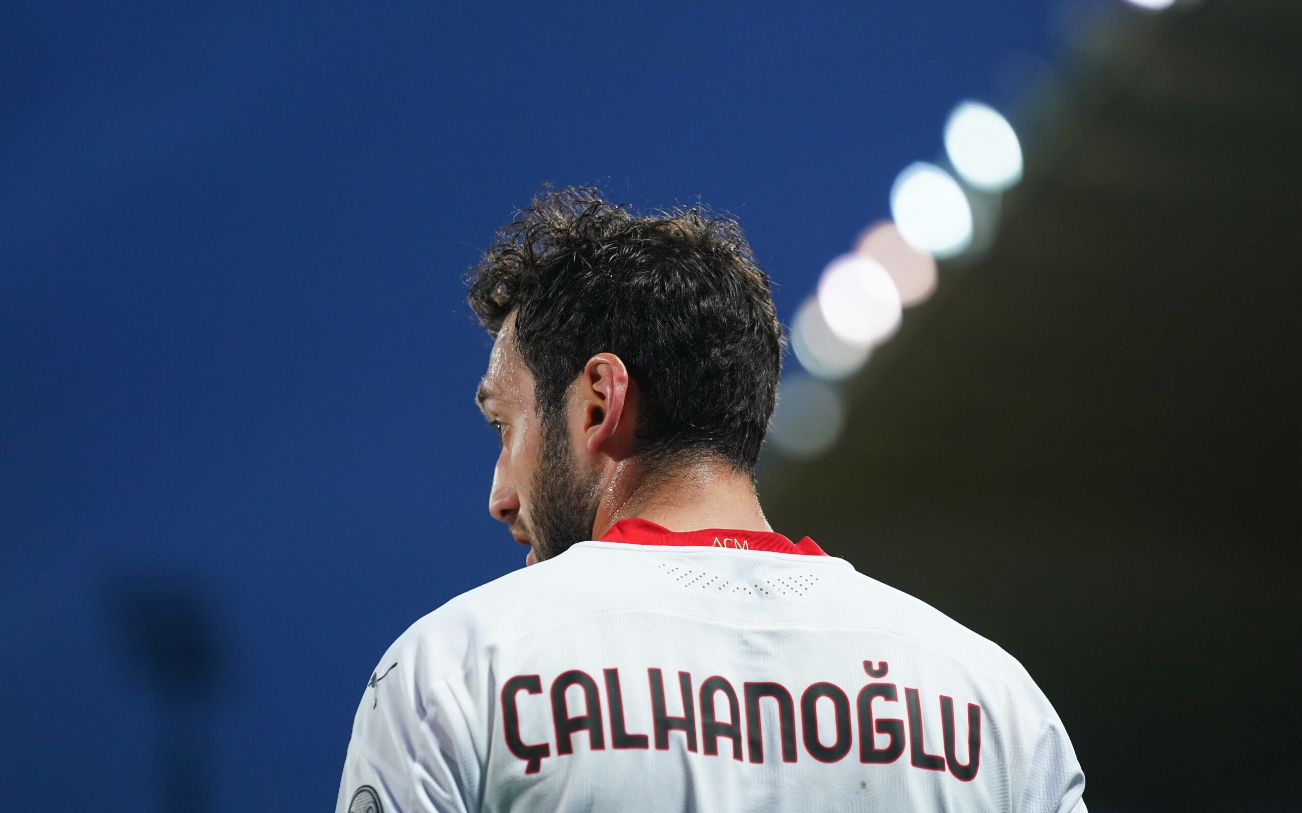 Calhanoglu (MIlan) von hinten