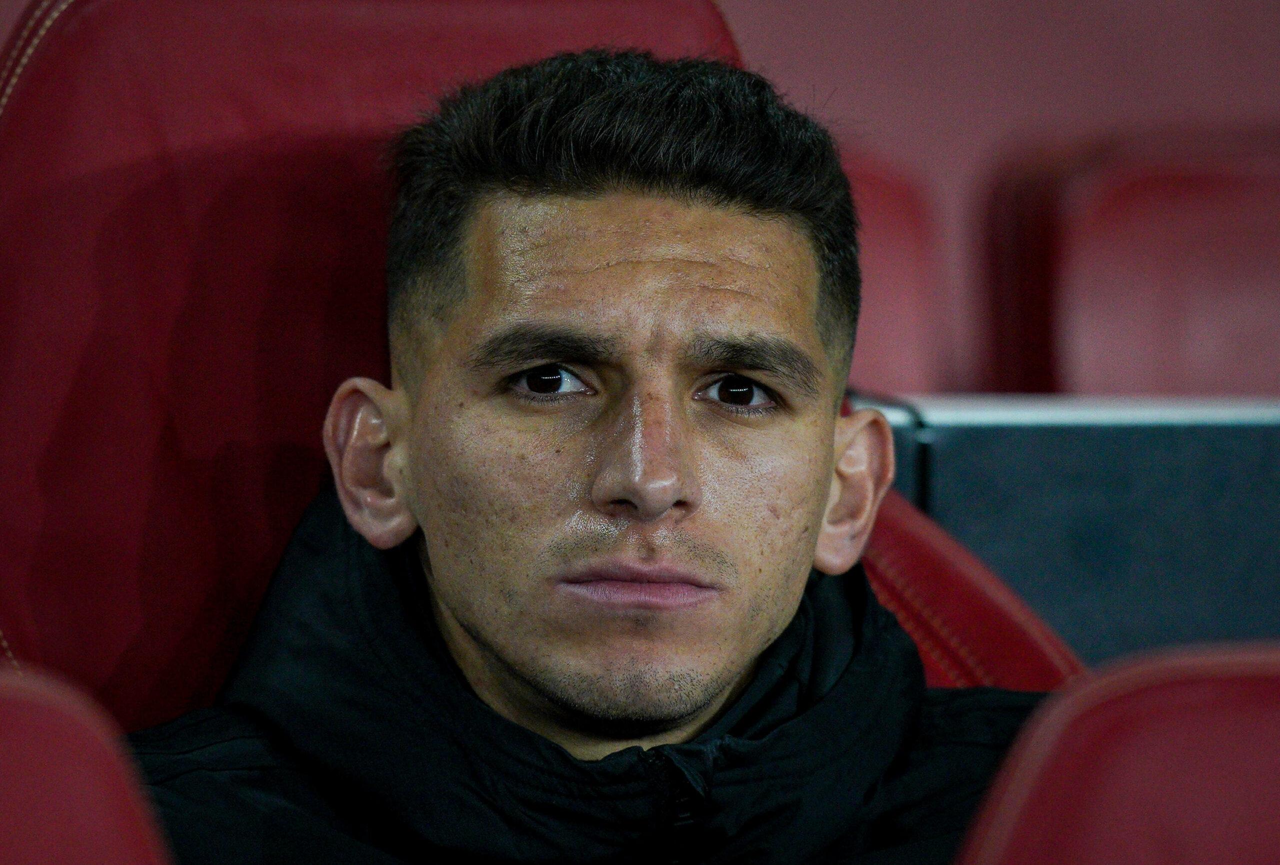 Lucas Torreira (Arsenal) sitzt auf der Bank
