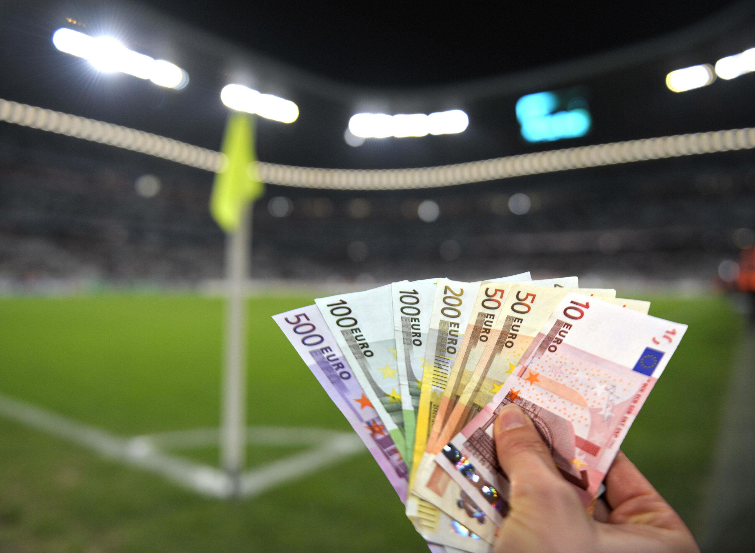 Geldscheine - symbolisch stehend für Spielmanipulation.