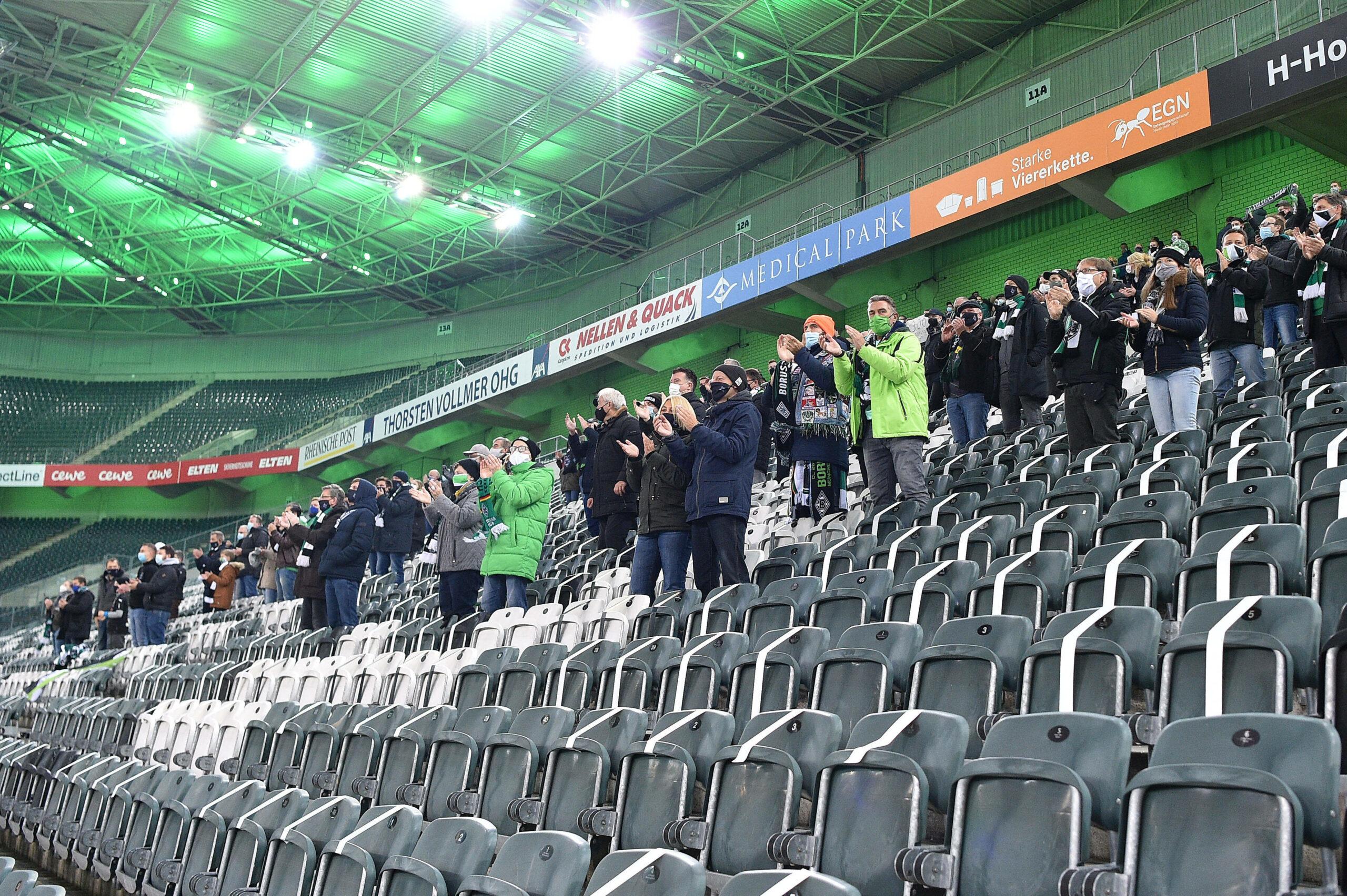 Gladbach Stadion mit Zuschauern