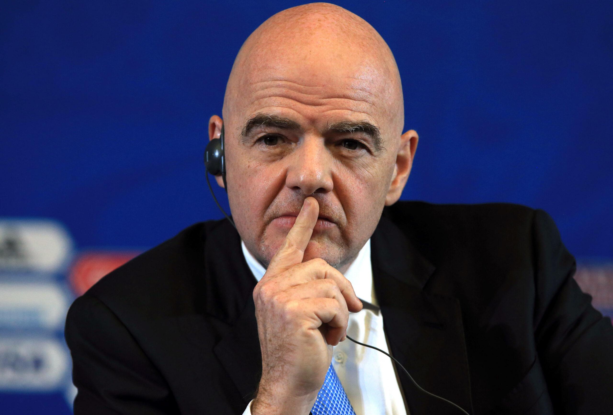 Gianni Infantino (FIFA-Präsident) nachdenklich