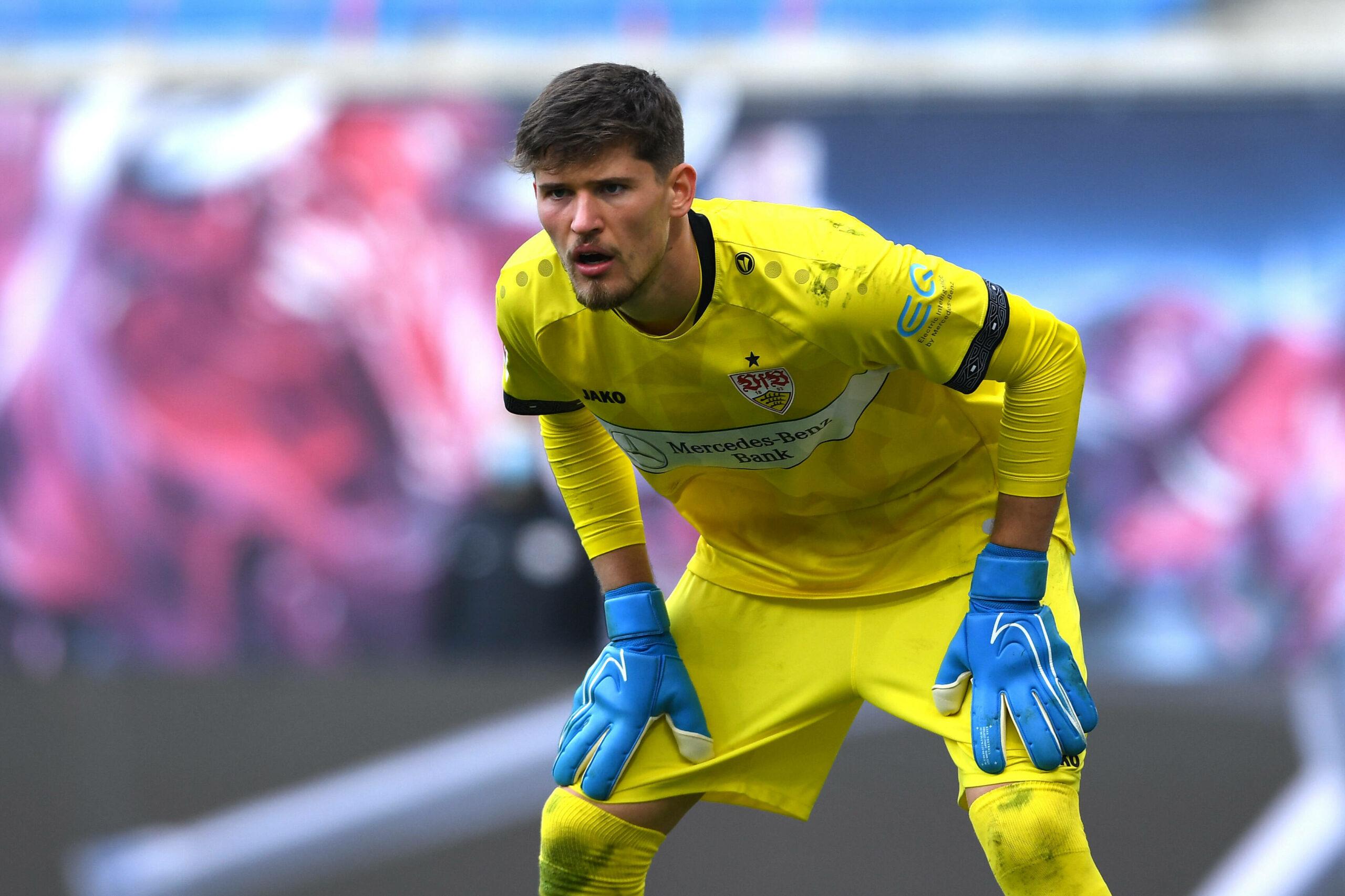 Gregor Kobel (VfB Stuttgart) fokussiert