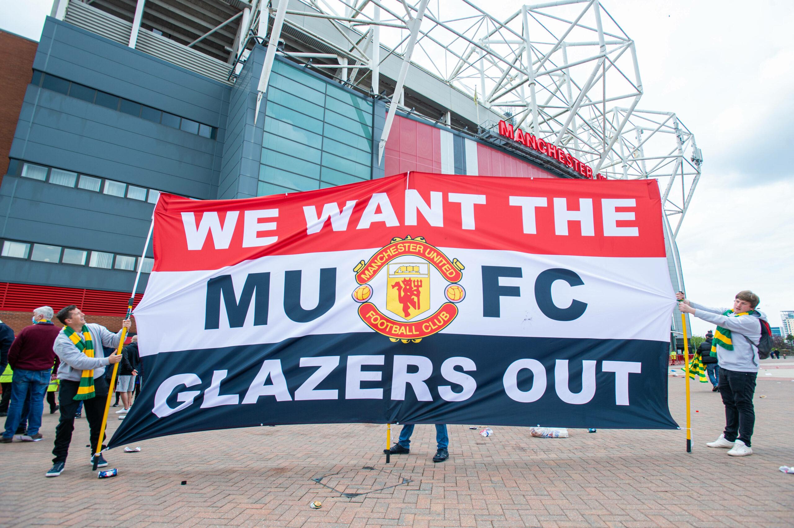 Manchester United Sponsor Glazer Fans