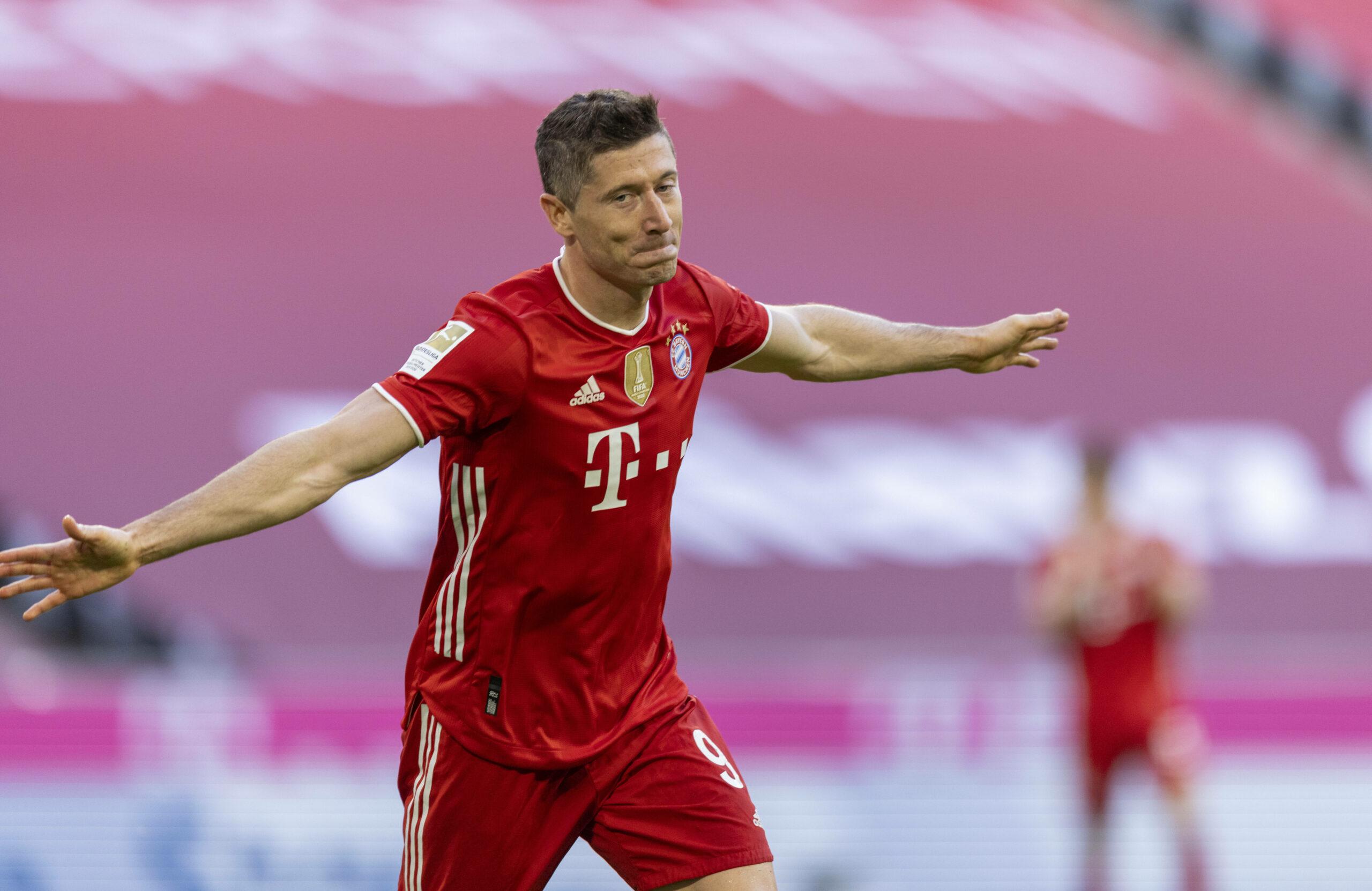 Lewandwoski (FC Bayern) feiert seinen Treffer gegen Gladbach