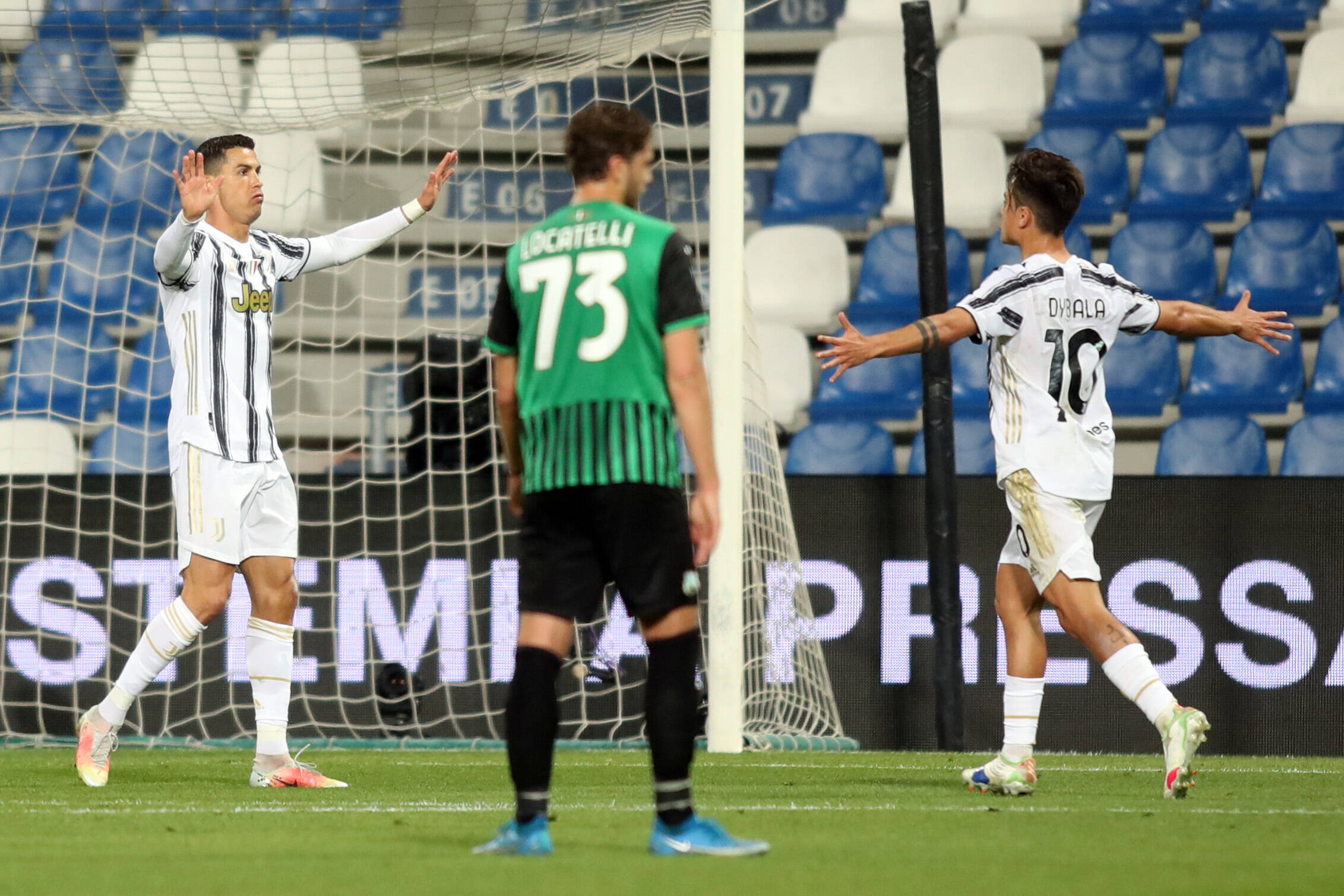 Ronaldo, Dybala (beide Juventus) bejubeln Treffer