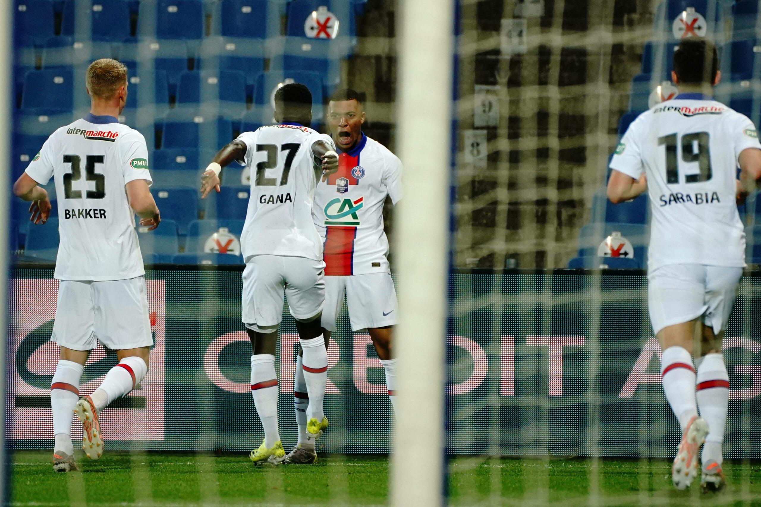 PSG Team feiert Treffer