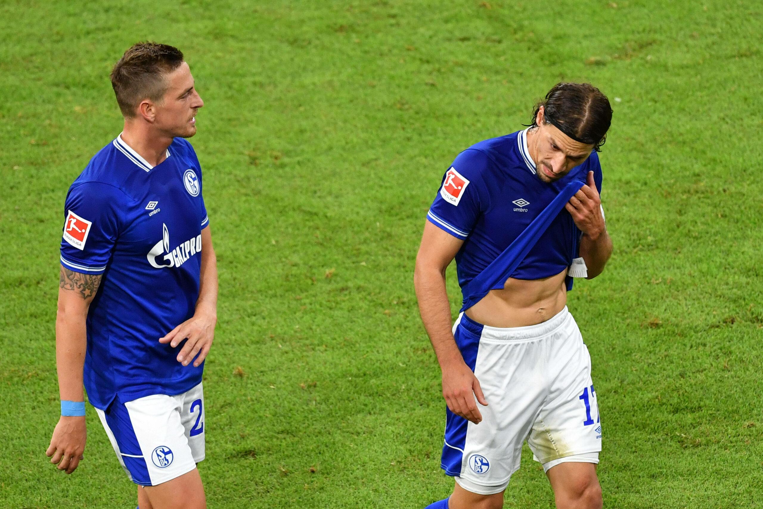 Benjamin Stambouli (FC Schalke 04) Bastian Oczipka (FC Schalke 04) ernüchtert