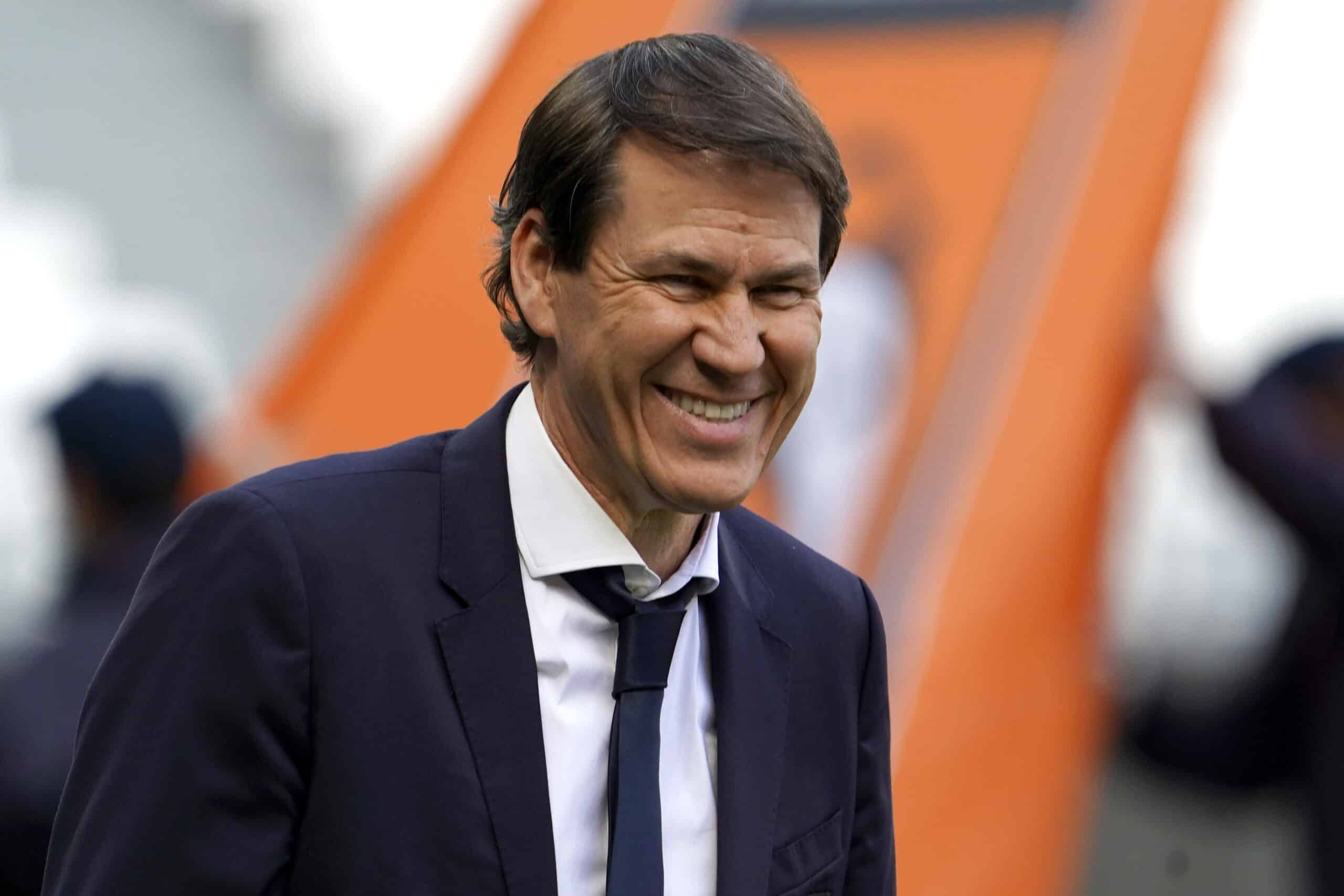 Rudi Garcia (Lyon) grinst