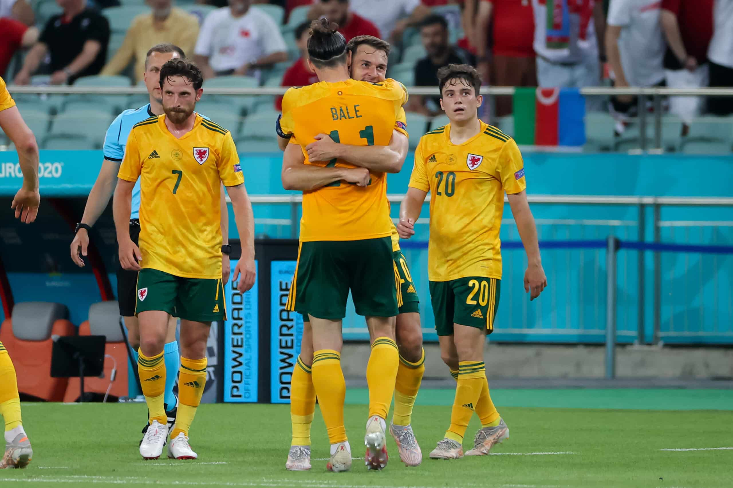 Bale (Wales) bejubelt Treffer mit Ramsey