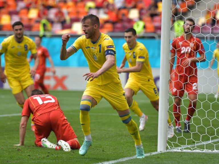 EM 2021   Zwei verschossene Elfmeter! – Ukraine gewinnt gegen Nordmazedonien