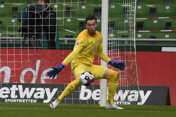 Werder Bremen | Angebot für Pavlenka aus Burnley