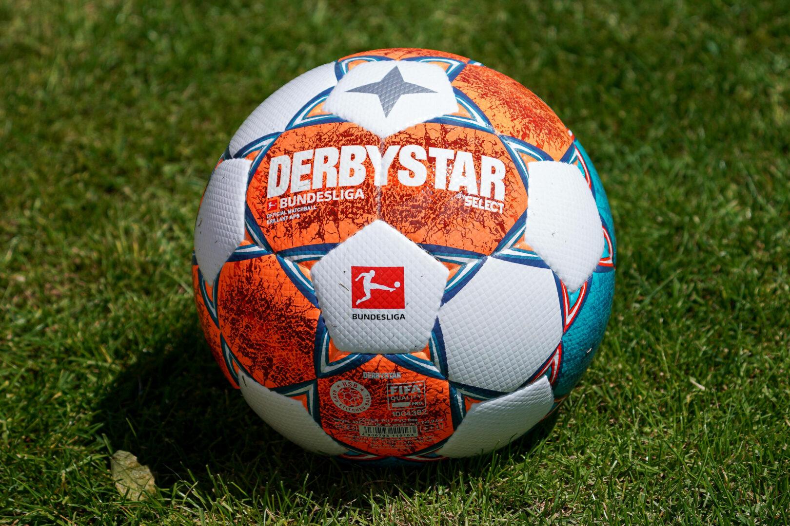 DFL setzt Spielpläne fest: Bundesliga startet mit Gladbach gegen Bayern