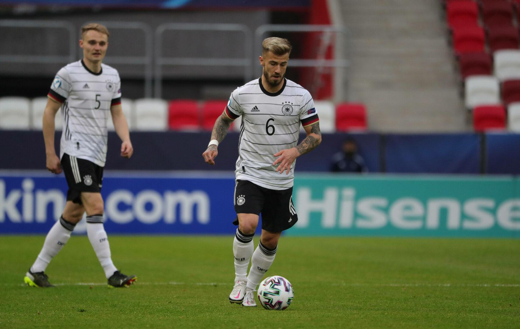 FC Augsburg: Dorsch bleibt heißer Kandidat – geht Uduokhai?