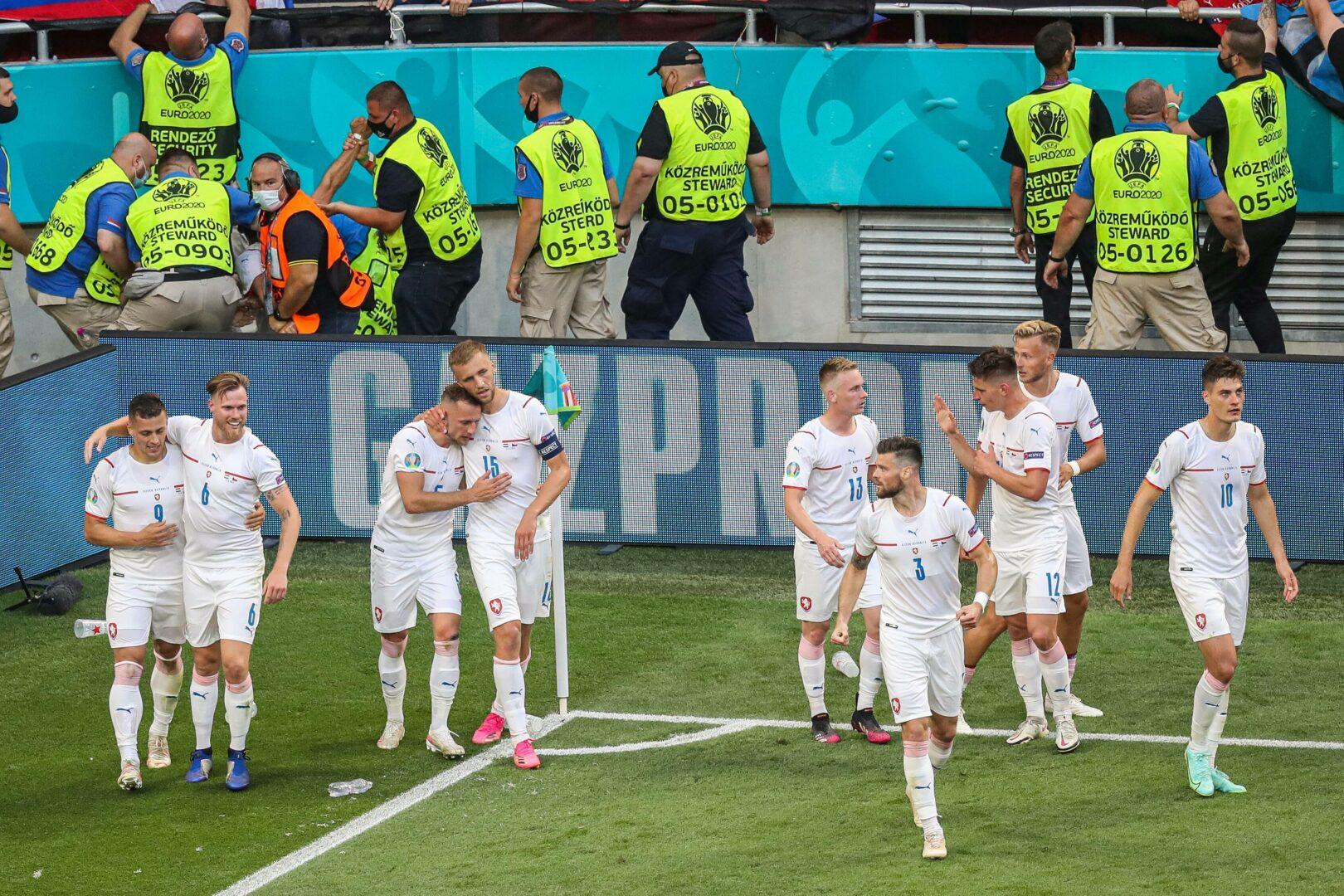 EURO 2020 | Holes und Schick kegeln Niederlande raus