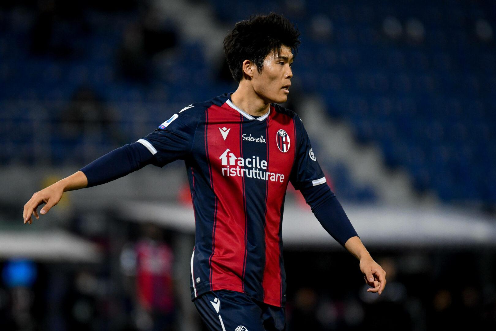Tottenham | Gespräche über einen Tomiyasu-Wechsel gestartet