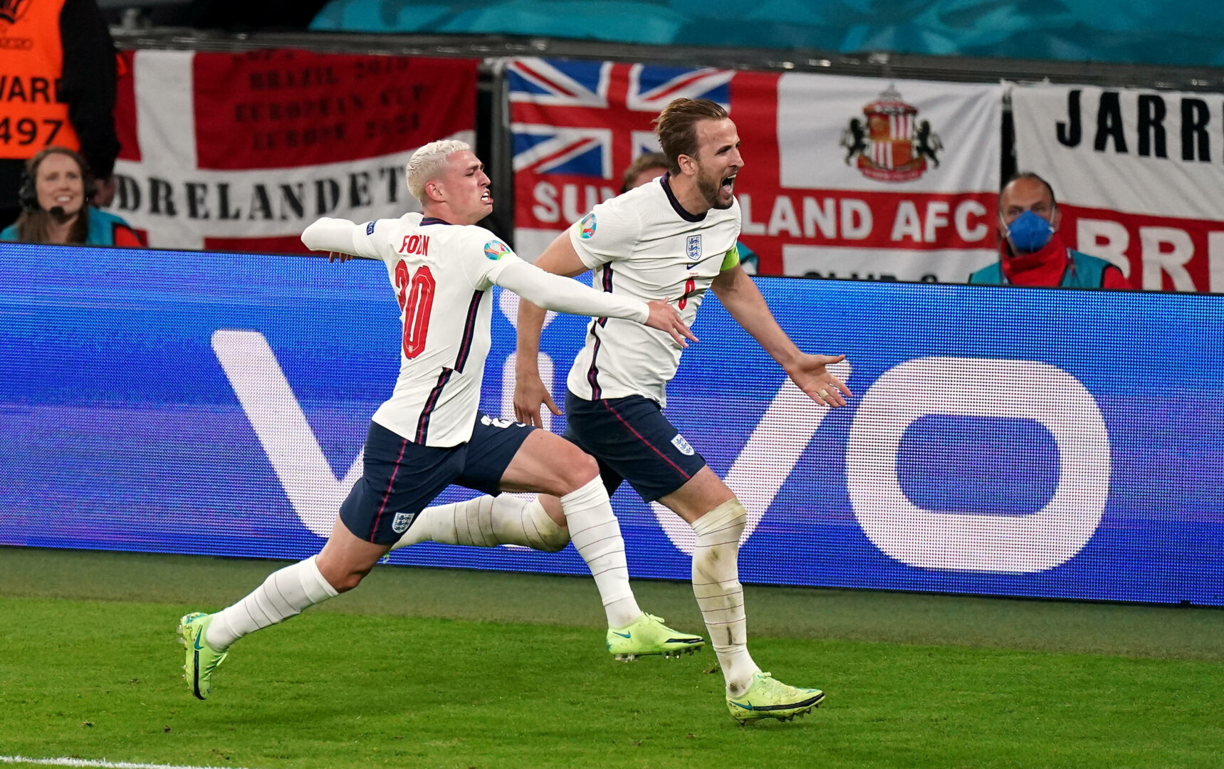 EM 2021 | Strittiger Elfmeter: Kane schießt England ins Finale!