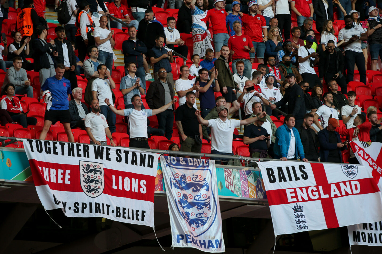 Nach Laserpointer-Störung: UEFA ermittelt gegen England