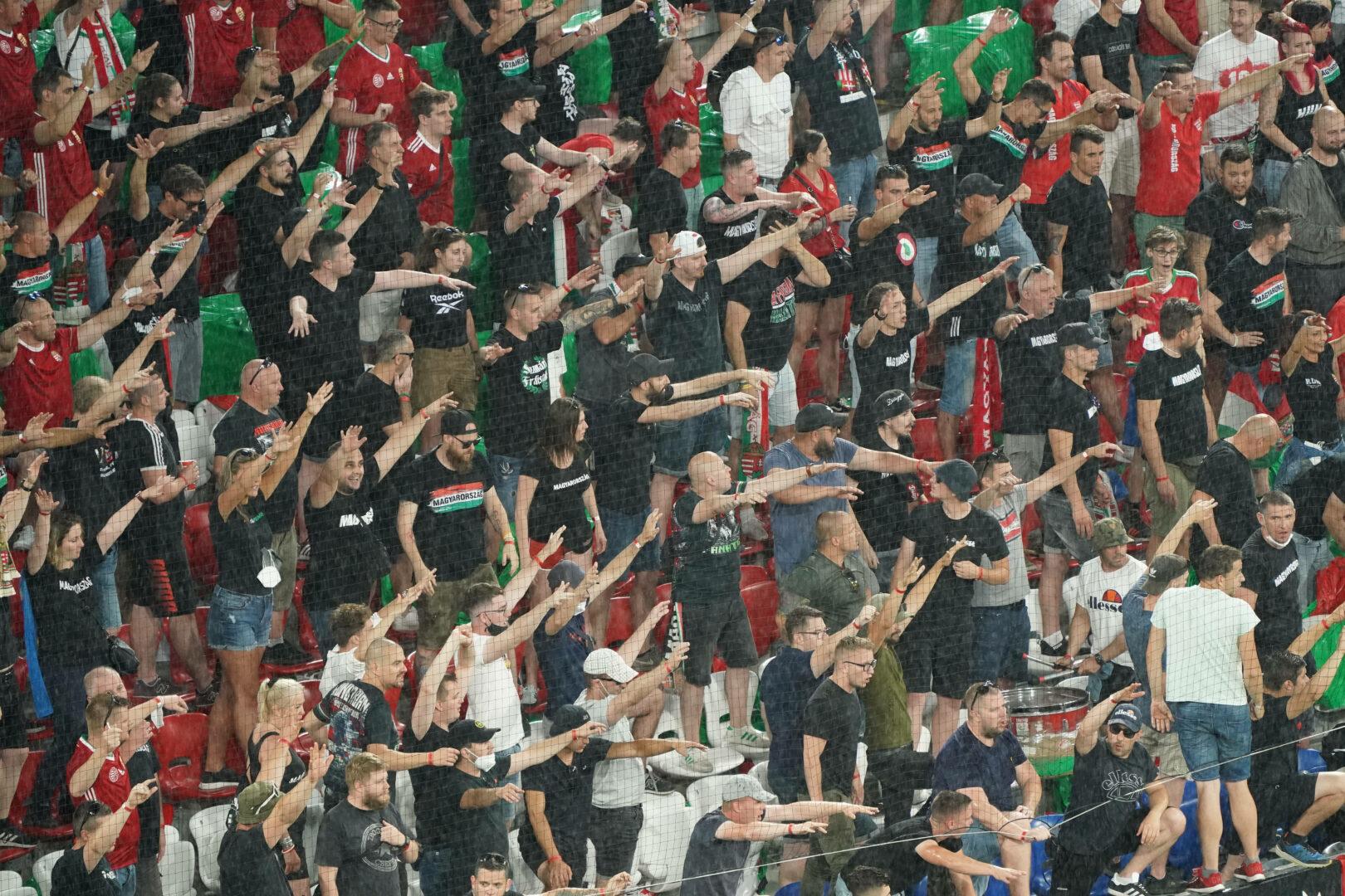 Ungarn | Harte Strafe nach Fan-Fehlverhalten