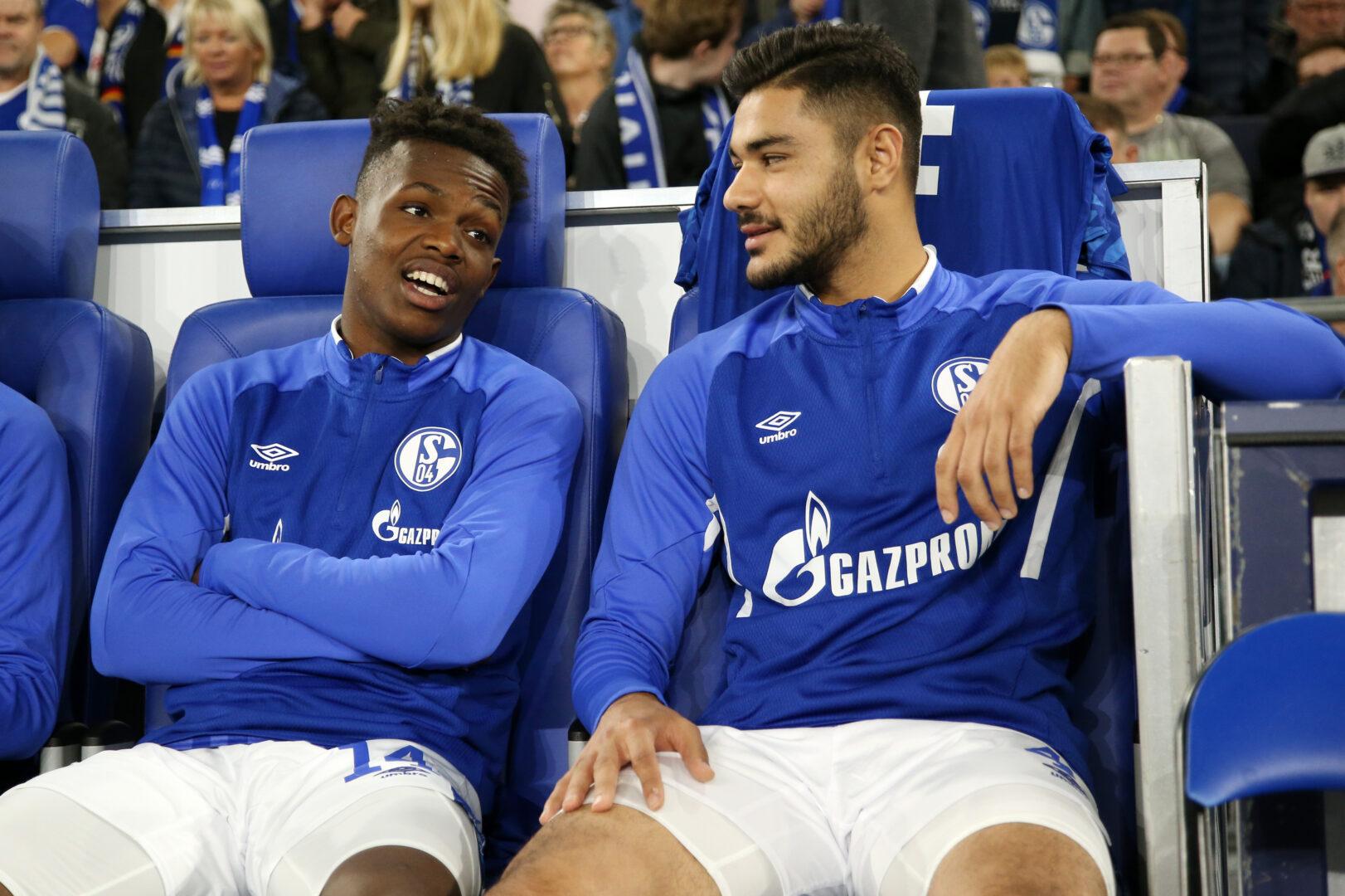 Rabbi Matondo, Ozan Kabak (beide Schalke 04) gegen Mainz