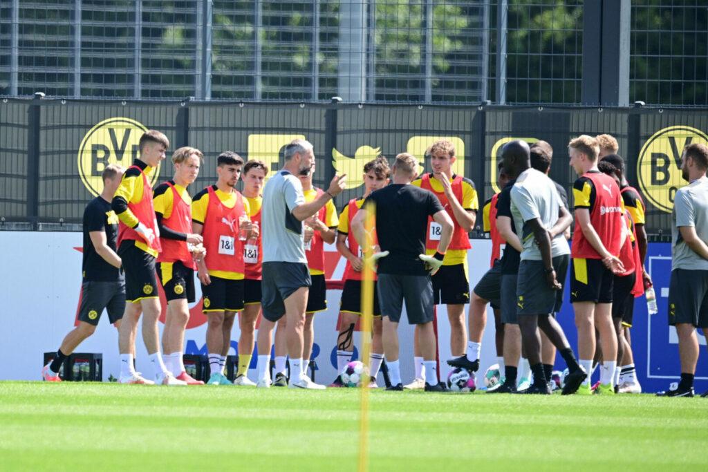 BVB-Neu-Trainer Marco Rose mit seiner Mannschaft