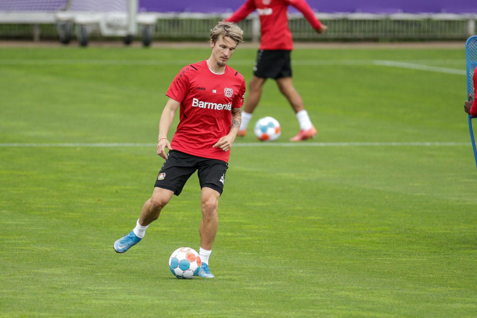 Bayer 04: Tin Jedvaj vor Wechsel zu Lokomotive Moskau