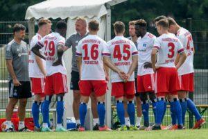 HSV Team in Besprechung
