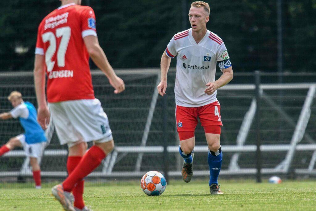 Schonlau Sebastian (HSV) gegen Silkeborg