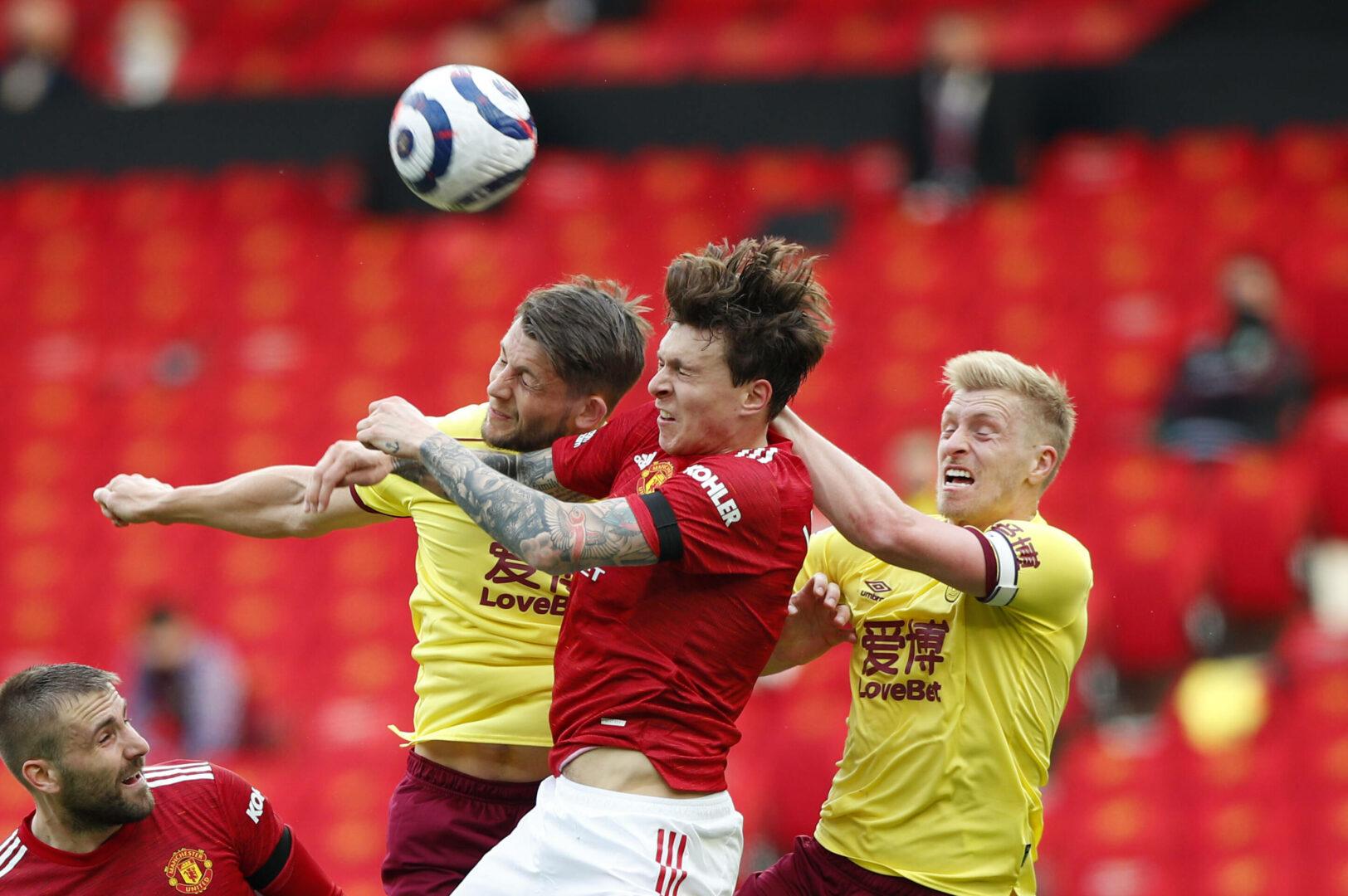 Lindelöf (ManUnited) gegen Burnley im Kopfballduell