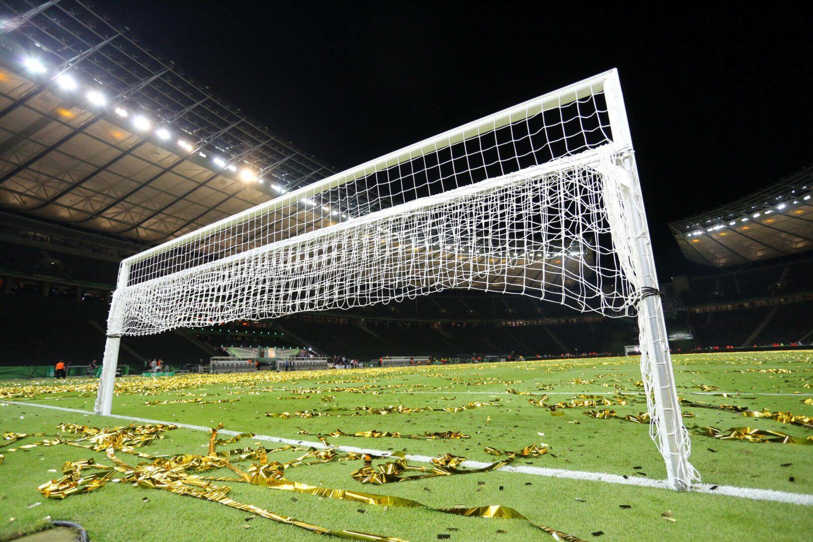 Durch Corona – Fußballklubs verloren 19/20 vier Milliarden Euro!
