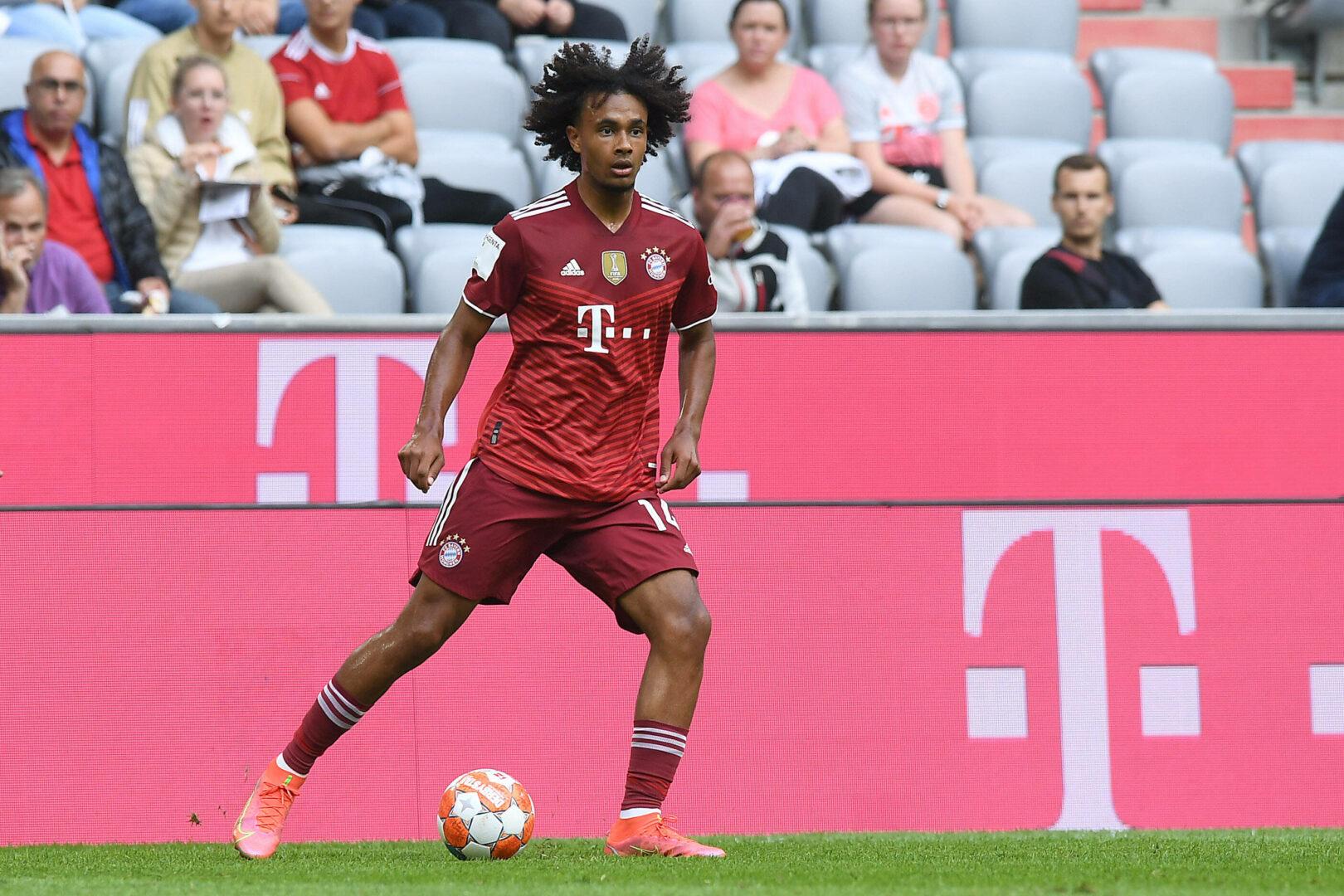 FC Bayern: Kahn deutet Abgang von Joshua Zirkzee an