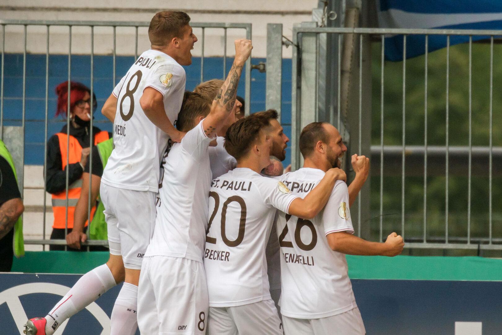DFB-Pokal: St. Pauli übersteht Pokalfight, Babelsberg wirft Fürth raus!