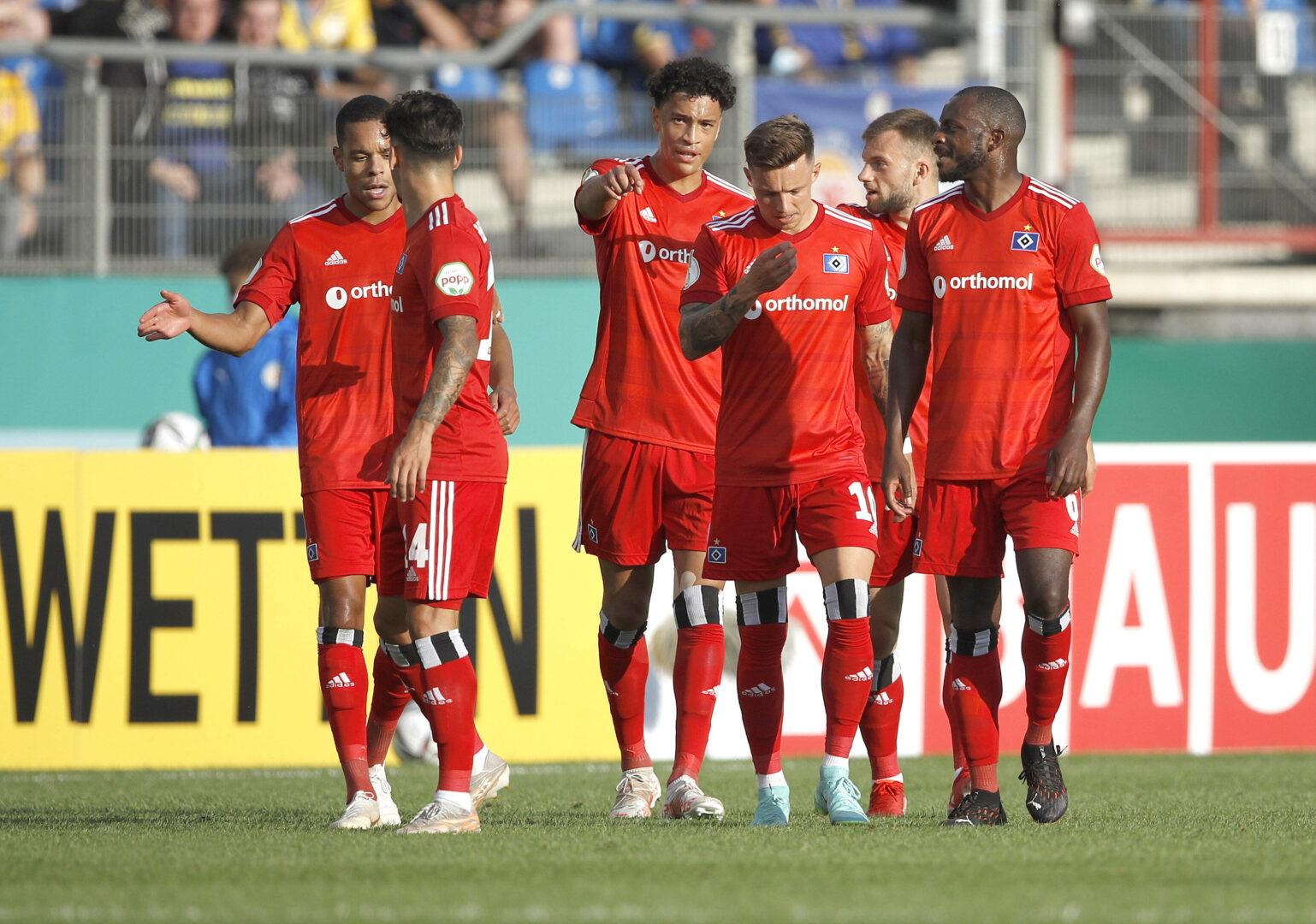 DFB-Pokal: HSV & Freiburg siegen knapp, Rostock-Sieg in der 120.!
