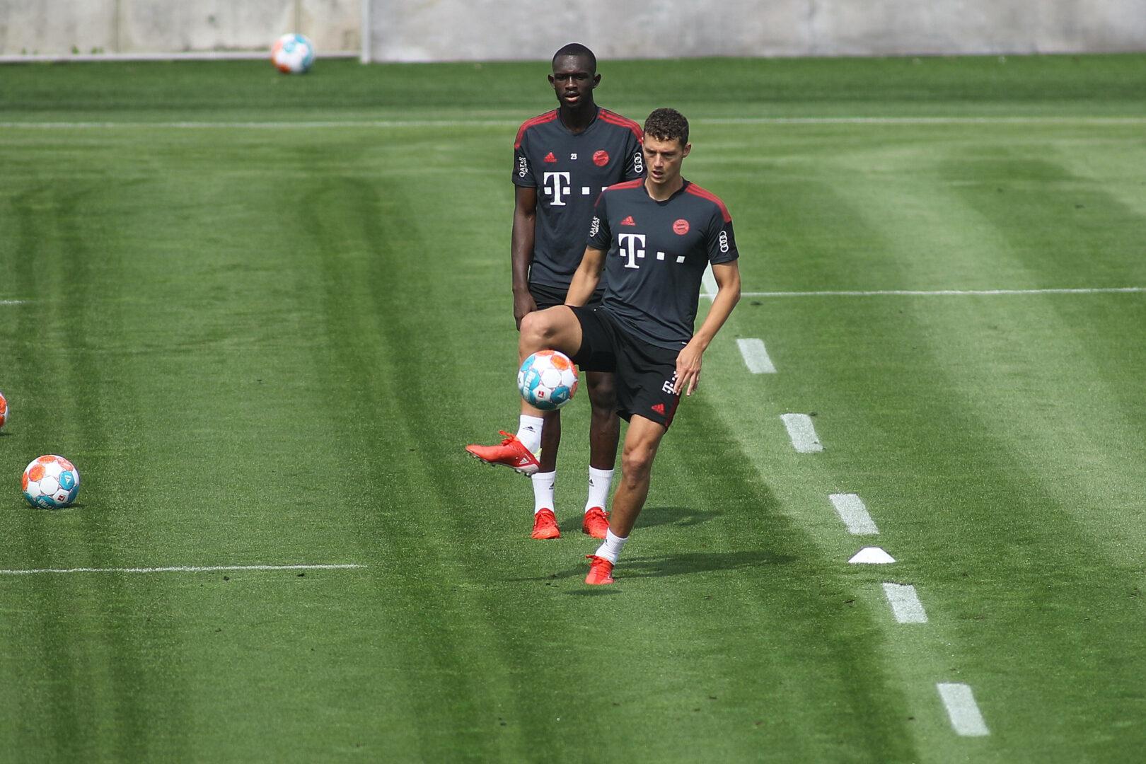 FC Bayern | Benjamin Pavard fehlt mehrere Wochen