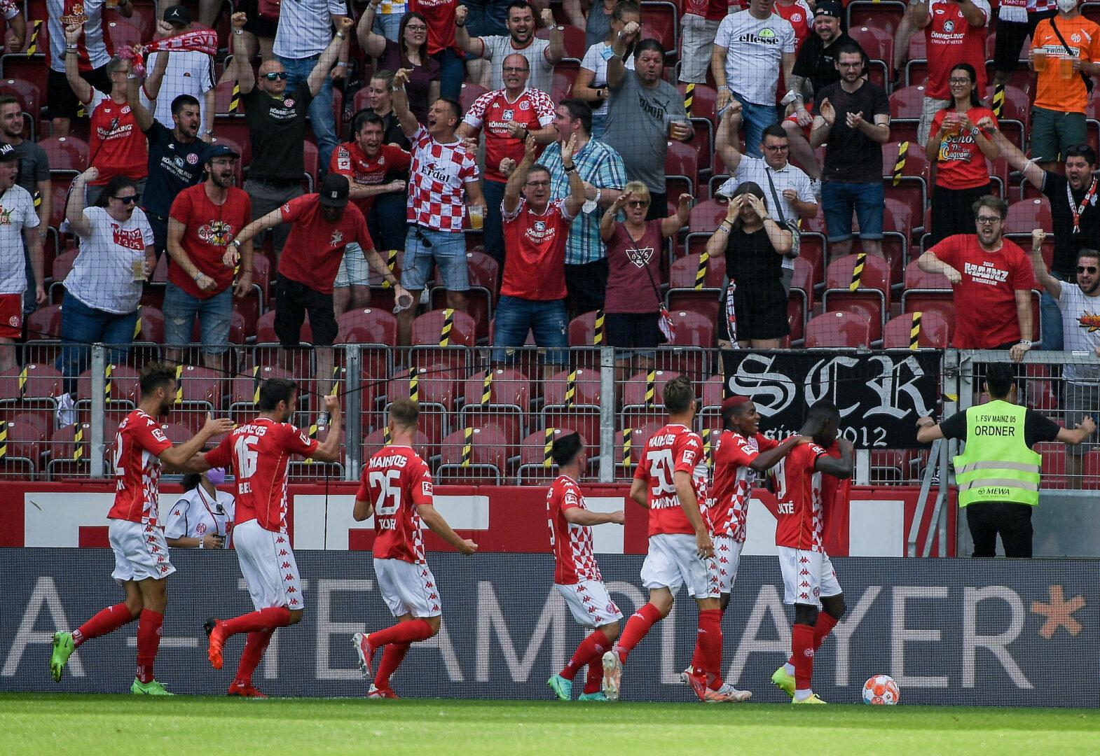 Mainz 05 trotzt Ausfällen und feiert Sieg gegen RB Leipzig!