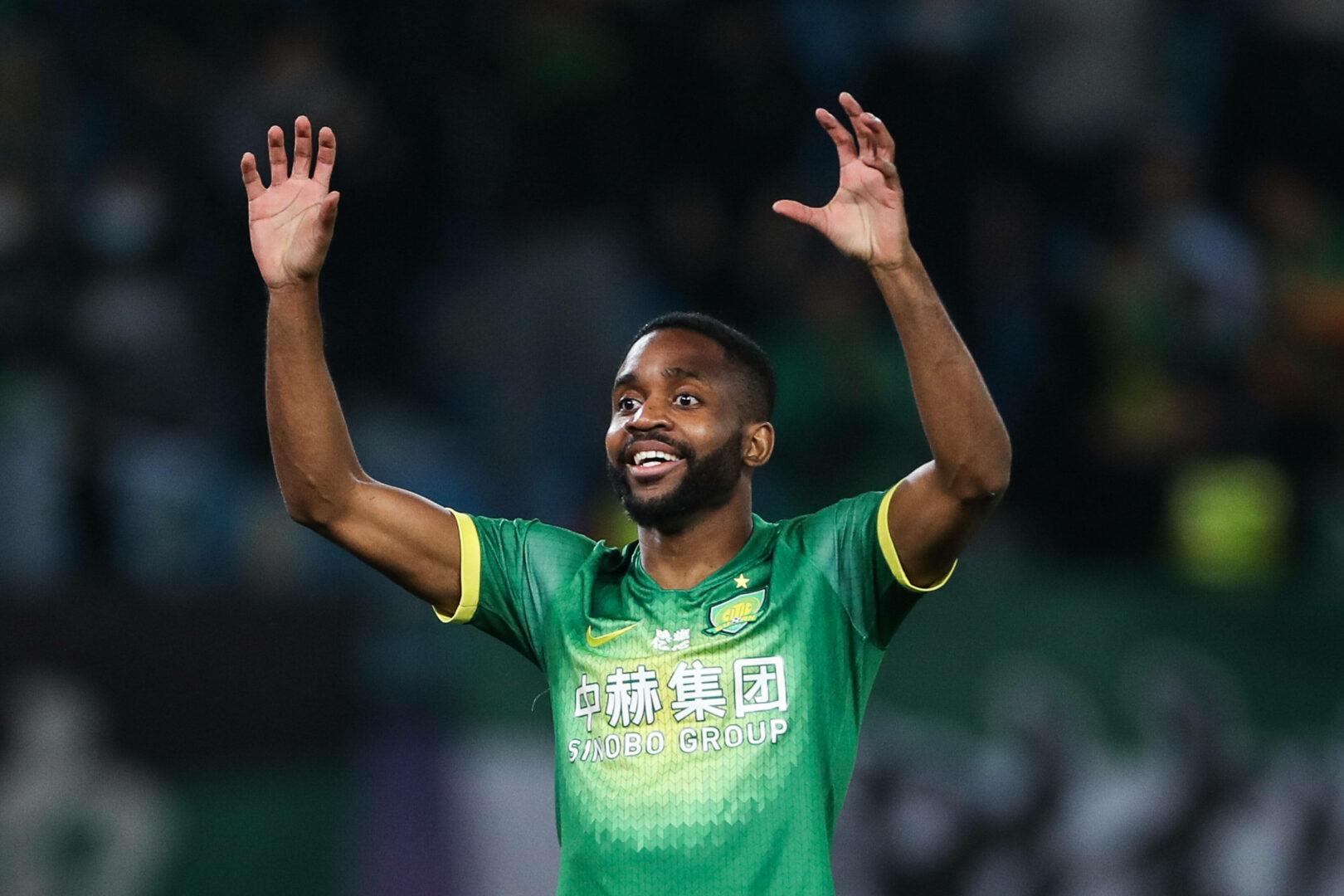 Bakambu (Beijing Guoan) bejubelt seinen Treffer