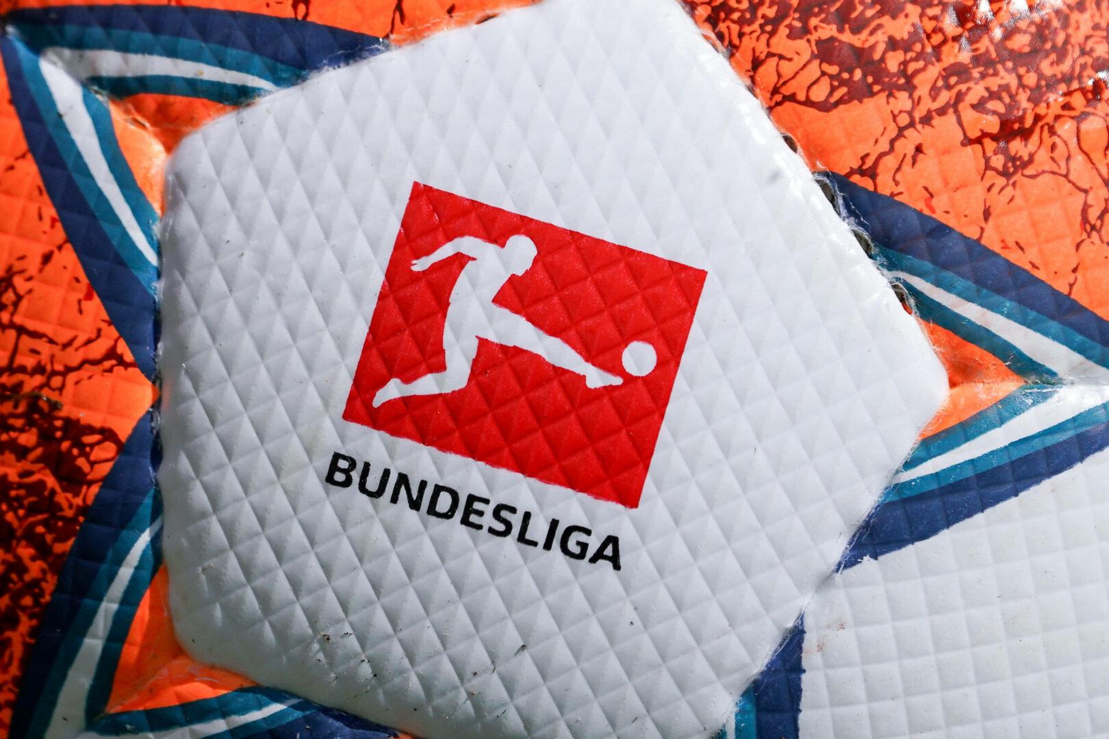Der Spielball der Bundesliga mit Logo