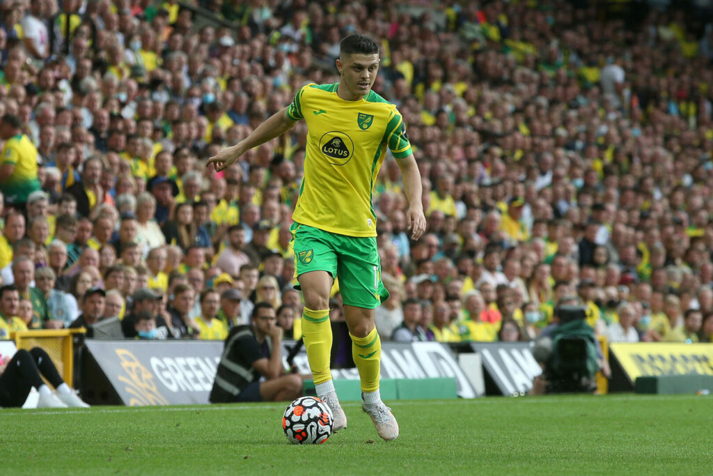 Milot Rahica gab am Samstag im Heimspiel gegen Liverpool sein Debüt für Norwich City.