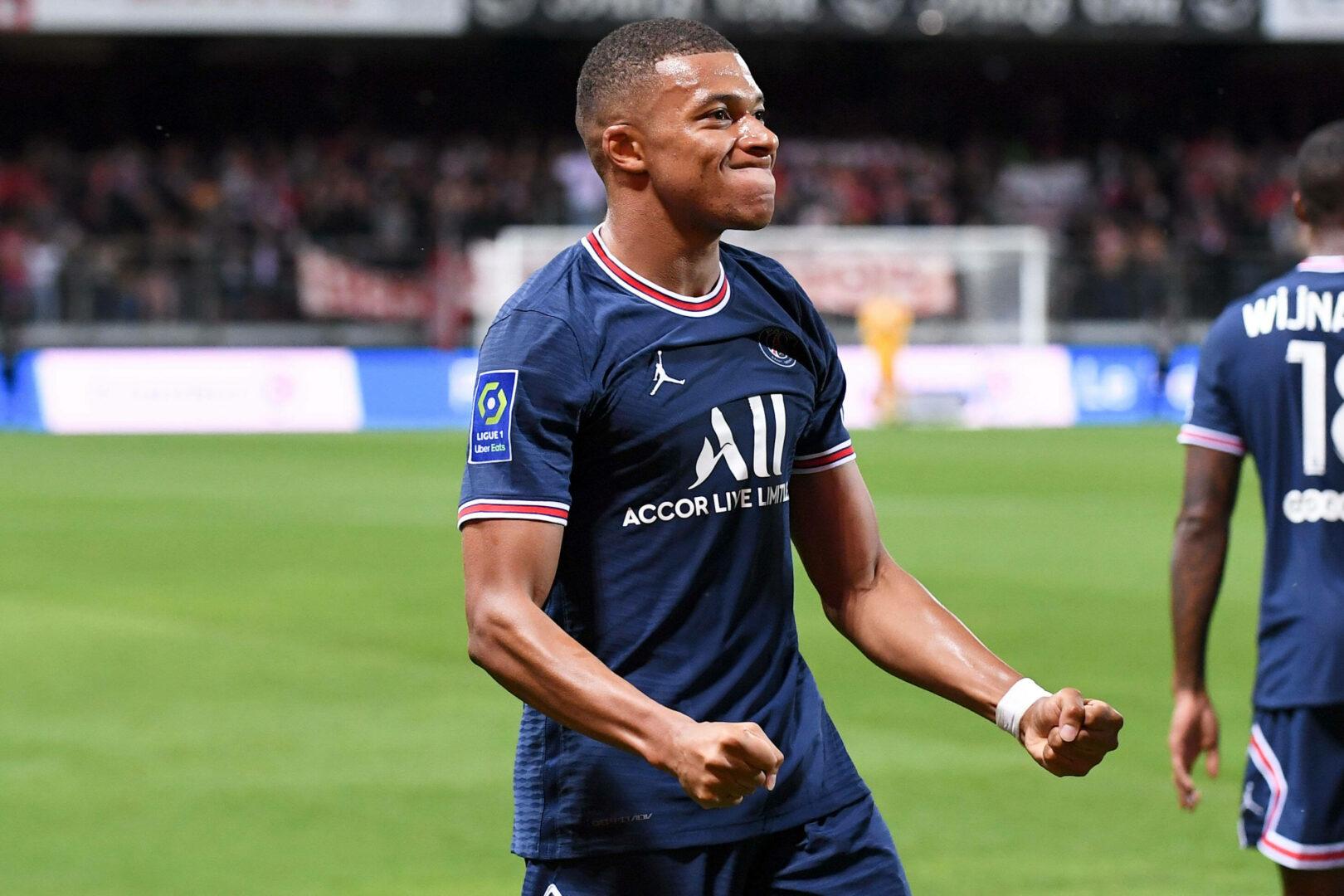 Mbappé (PSG) bejubelt Treffer gegen Brest