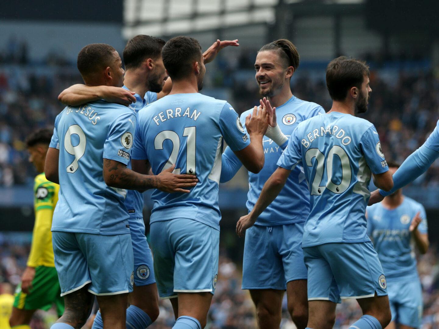 Manchester city jubelt gegen Norwich City
