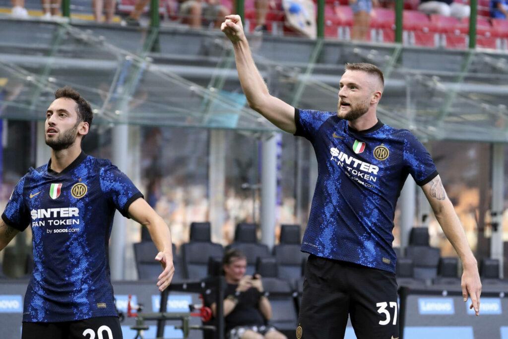 Inter bejubelt das 1:0 gegen Genoa