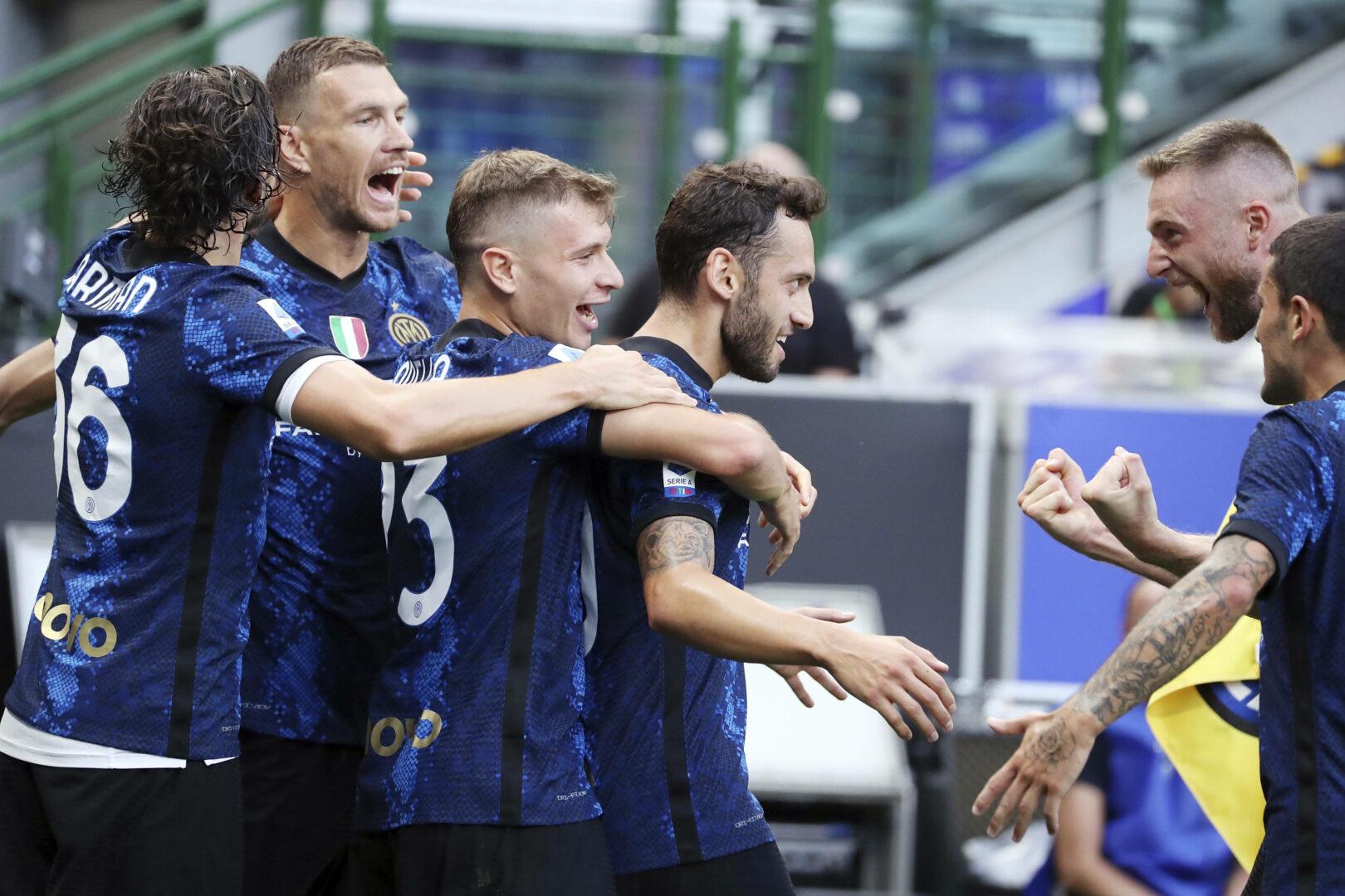 Inter jubelt gegen Genoa
