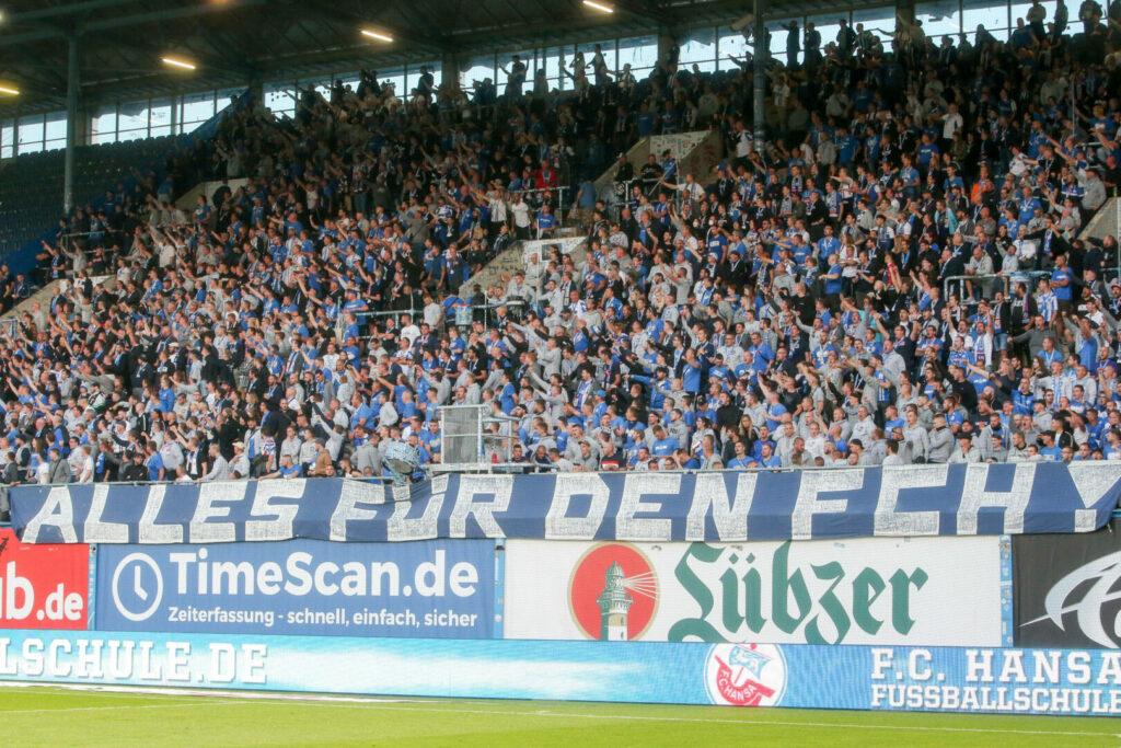 Die Fans von Hansa Rostock wussten stimmungstechnisch vollends zu überzeugen