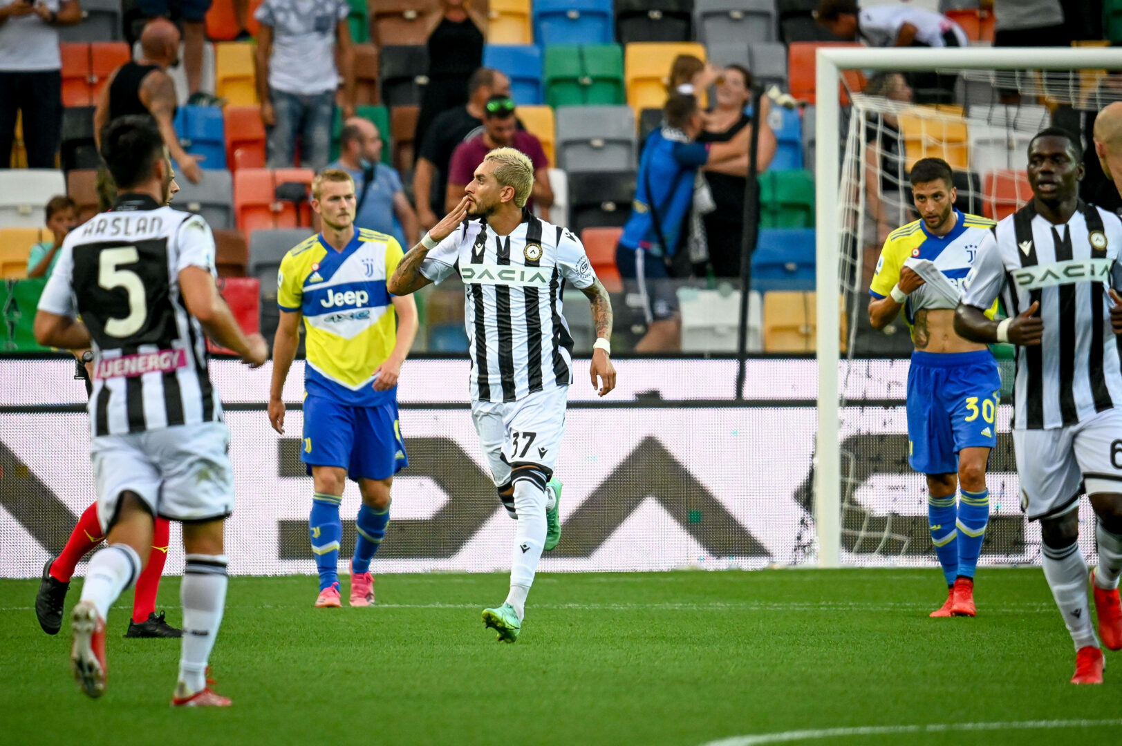 Udinese jubelt gegen Juventus