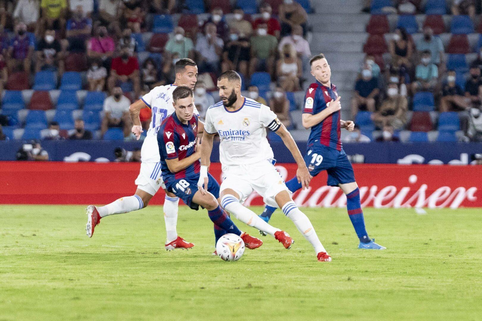 Sechs Tore, ein Platzverweis, ein Feldspieler im Tor: Levante und Real Madrid liefern Spektakel