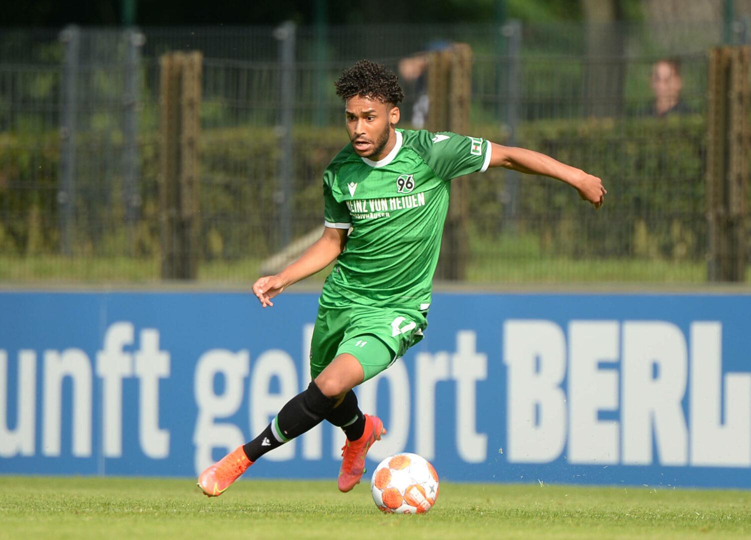 Werder Bremen | Maina-Wechsel vom Tisch