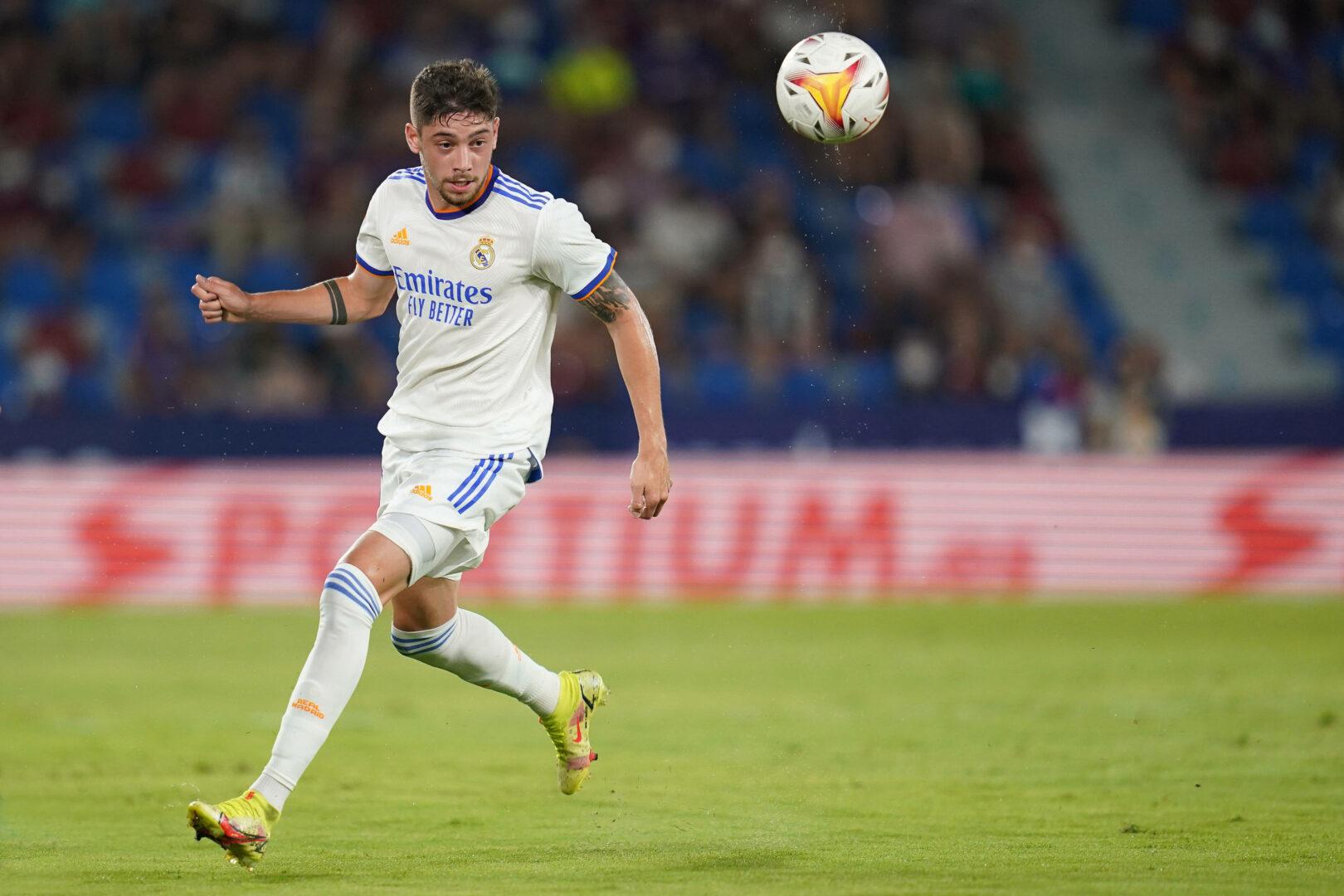 Real Madrid bestätigt: Fede Valverde verlängert Vertrag langfristig!