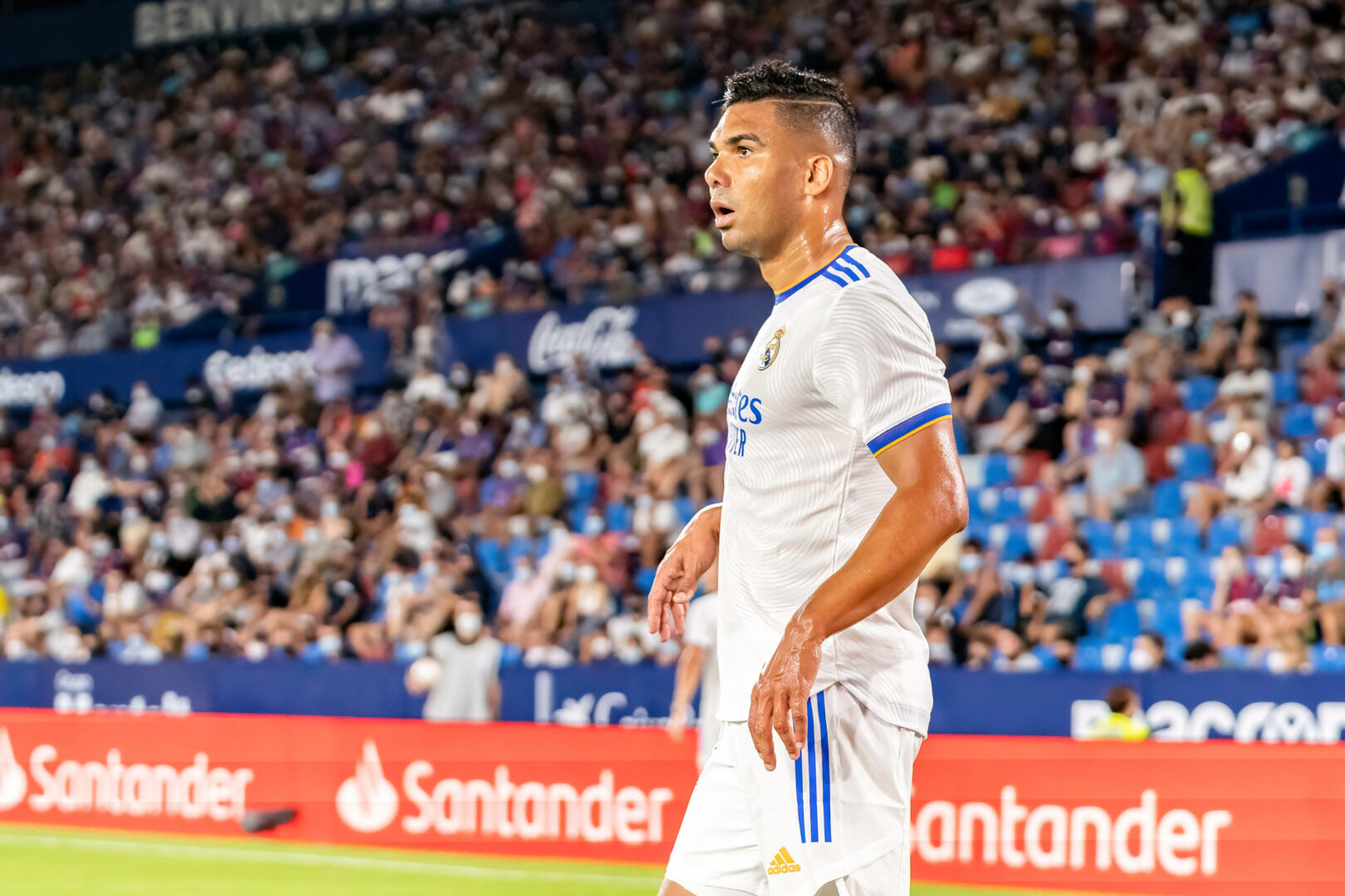 Real Madrid bestätigt: Casemiro verlängert Vertrag vorzeitig!