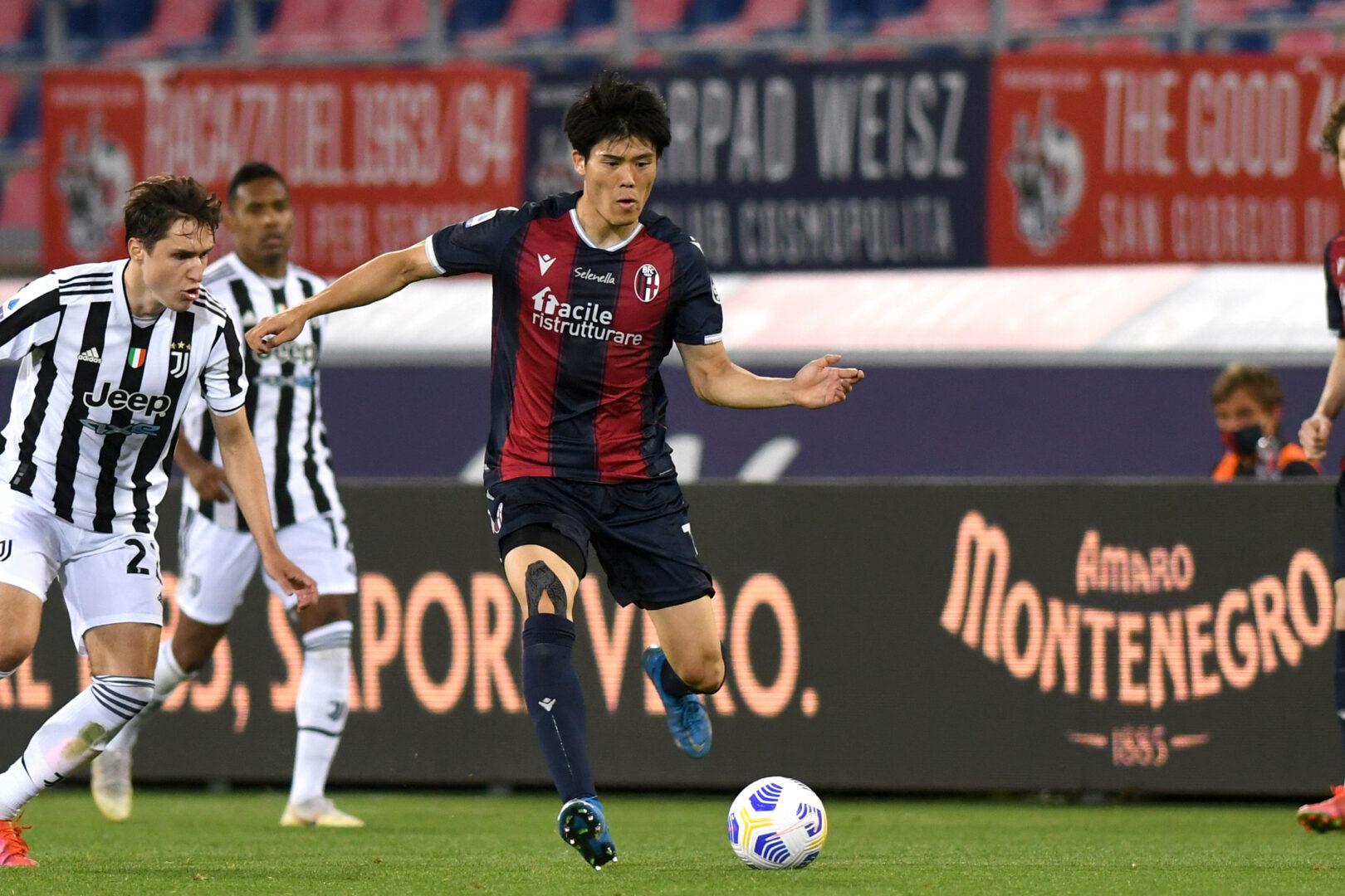 Takehiro Tomiyasu im Trikot des FC Bologna